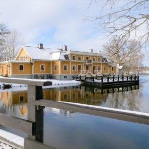 Boka erbjudandet 2 för 1 på Dufweholms Herrgård i Katrineholm